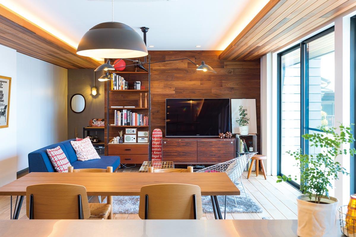 住まいの表情を決める外構工事においては、自社で設計・デザイン・施工体制を整えている点も魅力。住宅相談はスタイリッシュな雰囲気が楽しめるオフィスで随時受付中の  ...